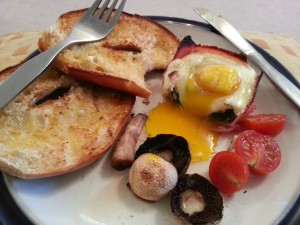 baked ham and eggs
