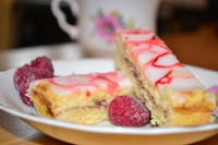 lemon raspberry shortbread slice 3